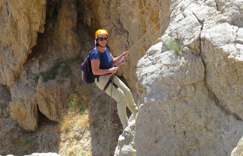 Slowly going down - Rappelling at Qumran