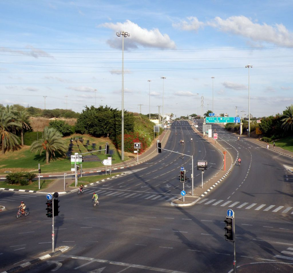 The empty highways of Israel Yom Kippur by Ron Almog on flickr