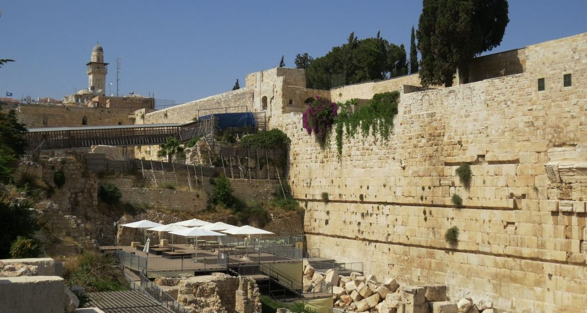 Your Personal Tour Guide in Israel with Moshe